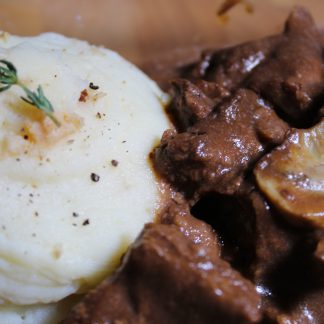 picture of steak and mushroom mash